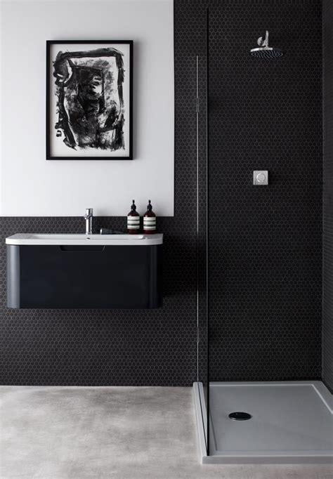 black bathrooms  ways  bring drama   smallest