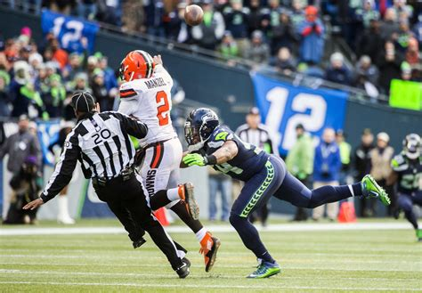 seattle seahawks beat cleveland browns clinch