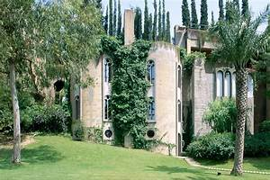 Ricardo Bofill's Epic Home in Spain Yellowtrace