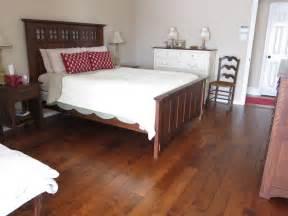 vinyl plank flooring bedroom knowing vinyl wood plank flooring pros and cons traba homes
