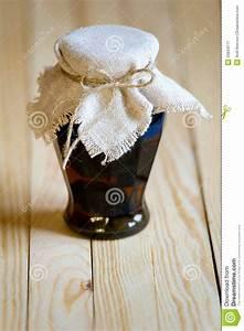 Segeltuch Mit ösen Auf Maß : verzierter marmeladentopf mit walnussmarmelade lizenzfreie stockfotografie bild 29934177 ~ Orissabook.com Haus und Dekorationen