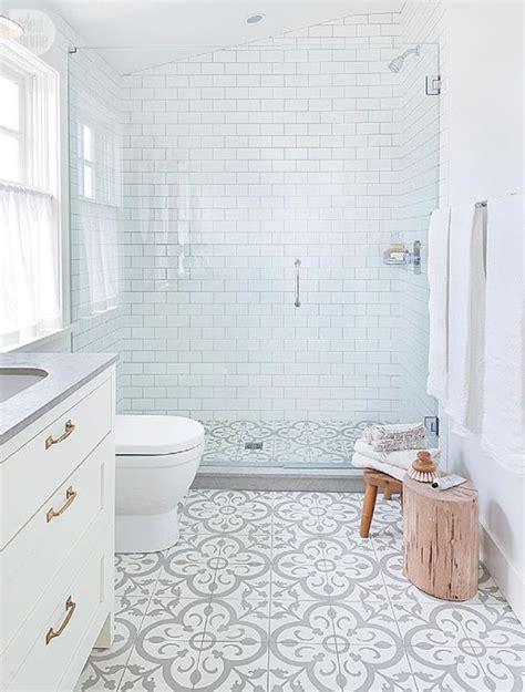 chic subway tiles ideas  bathrooms digsdigs
