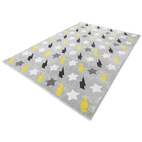 tapis chambre bebe tapis jaune chambre bebe