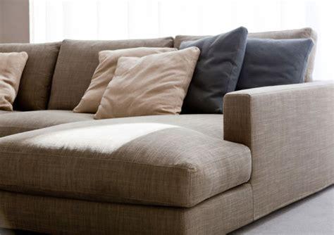 nettoyer des chaises en tissu conseils comment nettoyer un canapé en tissu et enlever les taches