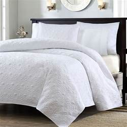 Quilted Coverlet Set by Size White Quilted Coverlet Set With 2 Shams