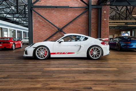 porsche cayman gt white red  richmonds classic