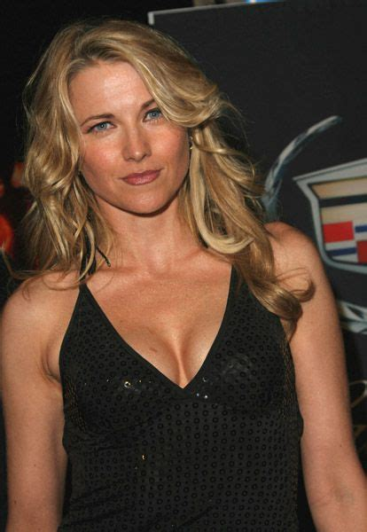 lucy lawless net worth  rich  lucy lawless