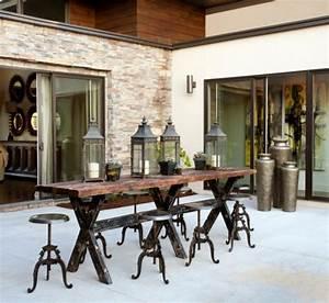 Table Bar Industriel : le tabouret de bar industriel apporte une touche d co dans l 39 int rieur ~ Teatrodelosmanantiales.com Idées de Décoration