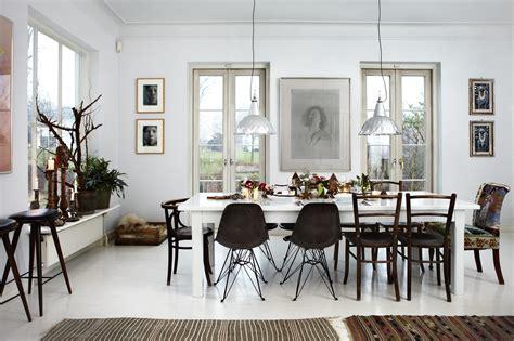 White And Christmassy Danish Home