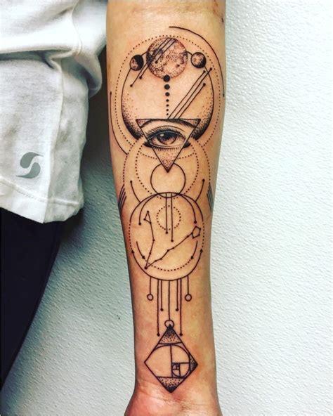 tatouage cuisse femme phrase prix acidcruetattoo