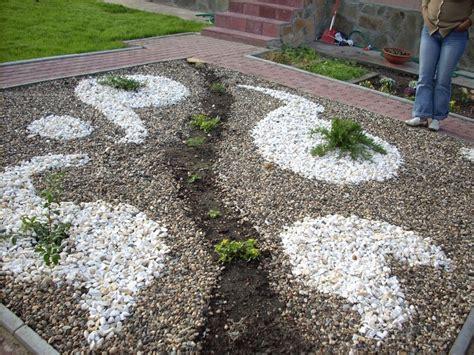 Garten Gestalten Mit Steinen Und Pflanzen by Gartengestaltung Mit Kies Und Steinen Modern Steinbeet