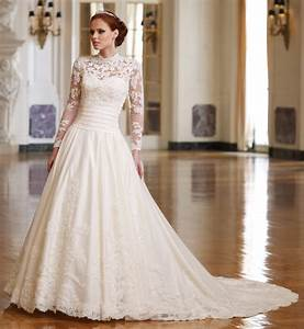 lace wedding dress With traditional wedding dress
