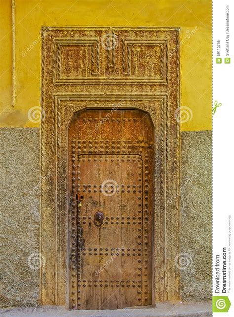 vieille porte d une maison marocaine traditionnelle photo stock image 59110795