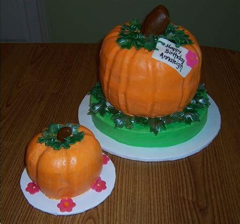 pumpkin shaped cake the 25 best ideas about pumpkin shaped cake on