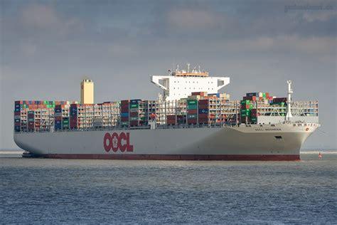 Wie lange es dauert, bis die wichtige wasserstraße wieder frei ist. Containerschiff OOCL Indonesia   Artikel   GENIUSSTRAND.DE