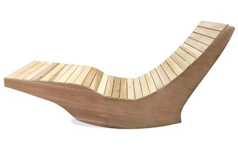 chaise longue en bois chaise longue ber 231 ante ext 233 rieure en bois ogni balance ogni