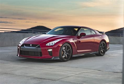 news nissan  unveil  gt  track edition   york