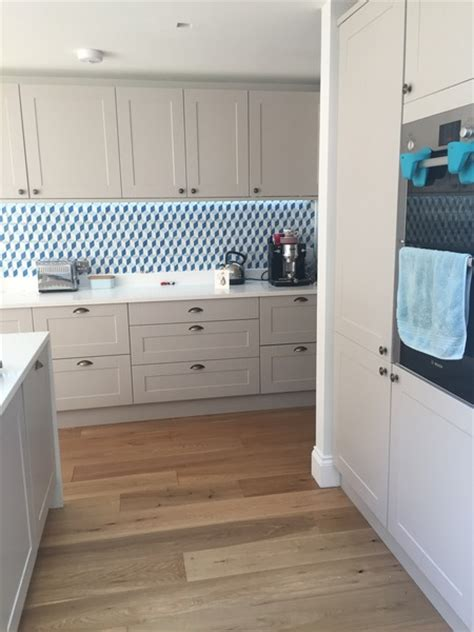 white kitchen island howdens burford kitchen grey or
