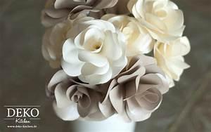 Rosen Aus Papier : diy rosenbl ten aus papier f r tolle hochzeitsdekos deko kitchen ~ Frokenaadalensverden.com Haus und Dekorationen