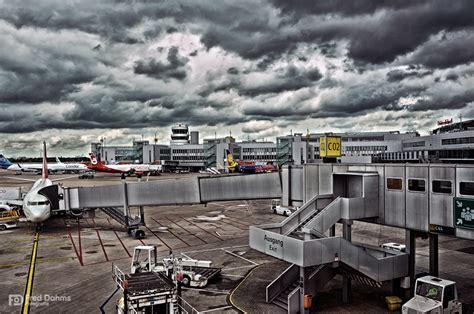 Flugstatus, verspätungen & alle anderen informationen im überblick. Flughafen Düsseldorf International Foto & Bild | luftfahrt ...