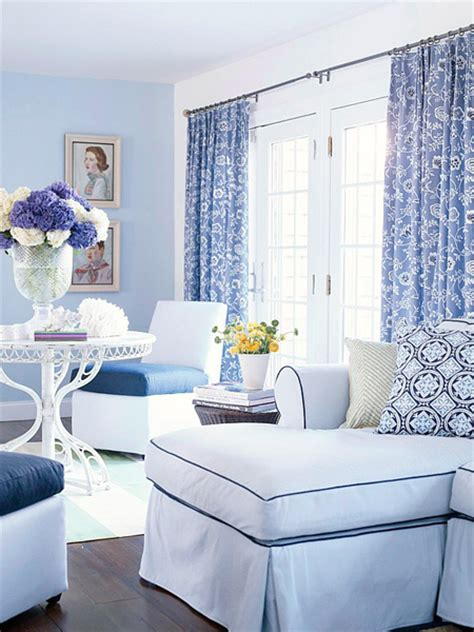 Monochromatic Blue Living Room by Decorating In A Monochromatic Color Scheme