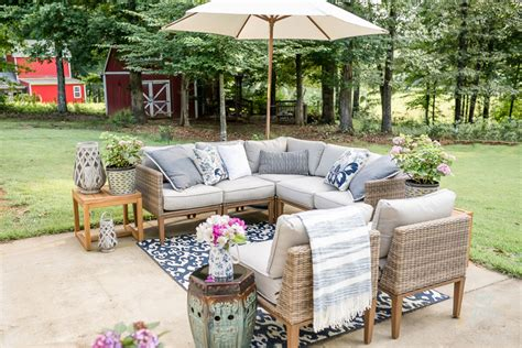 Outdoor Patio Decor by My Affordable Patio Furniture And Outdoor Decorating Tips