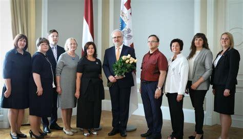Valsts prezidents: sabiedrībā jāstiprina latviešu valodas un literatūras skolotāju profesijas ...