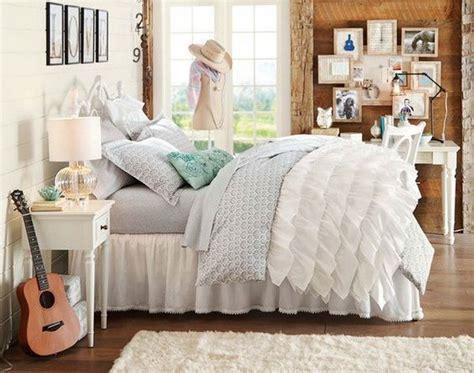 40+ Beautiful Teenage Girls' Bedroom Designs For