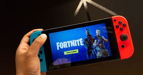 fortnite hold    switch graphically lets