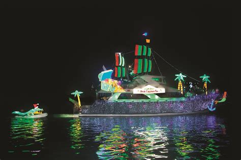 christmas boat parade holiday lights cruises balboa island