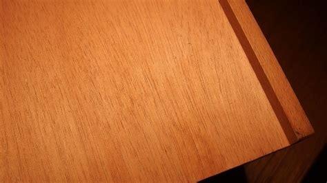 Staubwischen Auf Unbehandeltem Holz
