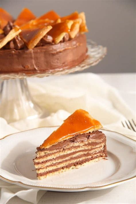 Dobos Torte - Hungarian Cake with Chocolate Buttercream ...