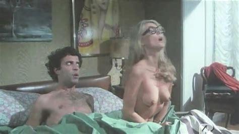 barbara bouchet nue dans sex with a smile