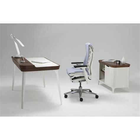 airia desk herman miller whitevan