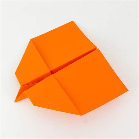 wie bastelt einen papierflieger wie bastelt einen papierflieger 187 anleitung habicht 187 30m reichweite