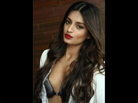 Image Result For Nidhhi Agerwal Nude Nidhhi Agerwal