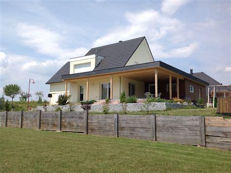 maison ossature bois contemporaine toit plat attrayant garage ossature bois toit plat 1 une maison avec terrasse couverte en bois et