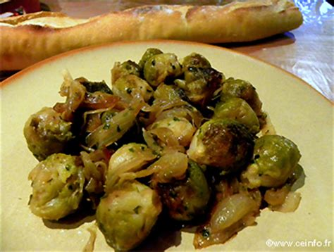 cuisiner des choux de bruxelle choux de bruxelles aux oignons les légumes cuisinés