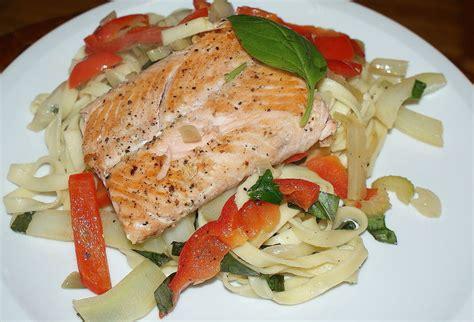 tagliatelle au fenouil poivron saumon et basilic la cuisine d