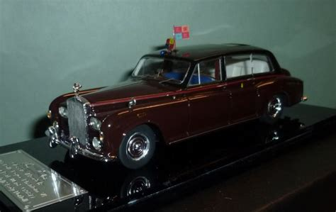 Royal Limousine by Classic Models Schaal 1 43 Rolls Royce Phantom Vi