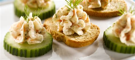 recette canapé saumon smoked salmon mousse canapes recipe dairy goodness
