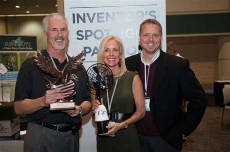 pgf personal golf fan woman claims inventor s award for new golf cart fan