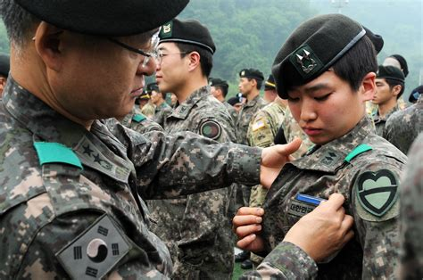 First Female Rok Officer Earns Coveted U.s. Infantry Badge