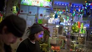 Storefront pot shops still uncertain even with Liberals ...