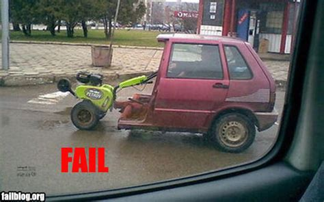 15 Funny Car Fails