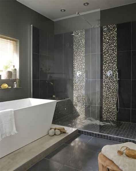 colonne de rangement chambre dans une suite parentale une salle de bains tout confort