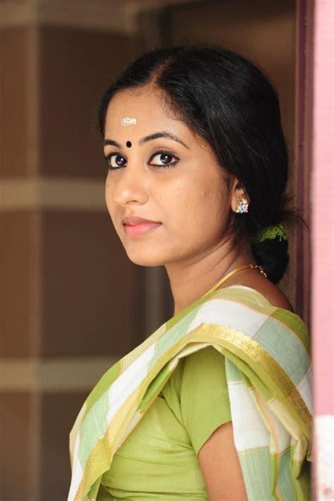 serial actress jyothi photos malayalam actress jyothi krishna hot pics veethi