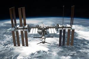 NASA Awards International Space Station Cargo Transport ...