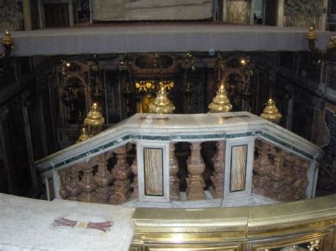 Inside Tombs Of Popes (vatican)........