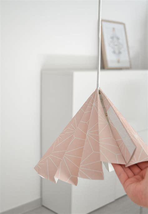 fabriquer un abat jour en papier diy sympa transformer un papier peint en abat jour bricobistro